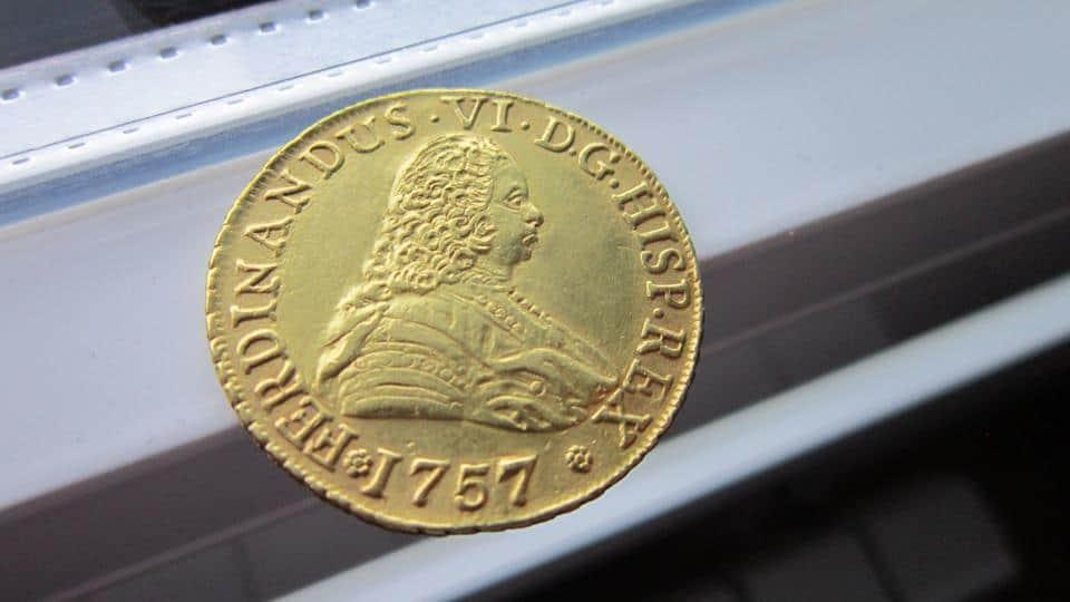 8 escudos Santiago 1757 falsa