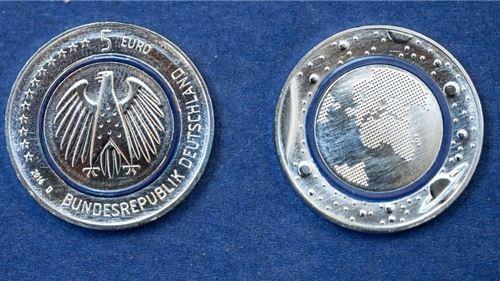 5 euros Planeta azul