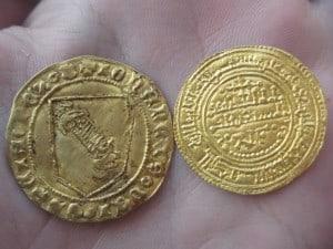 Dobla de la banda. Moneda medieval de oro castellana (figura 1)