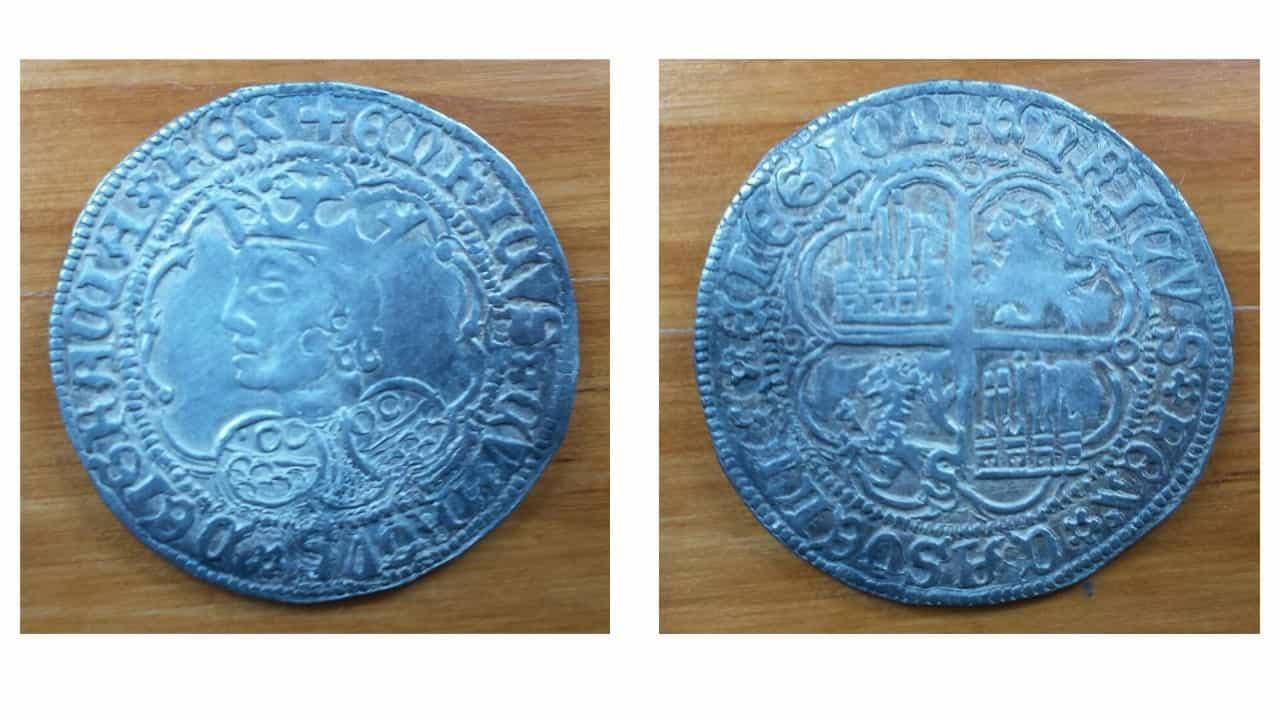 busto de Enrique IV con ceca de Sevilla Falso