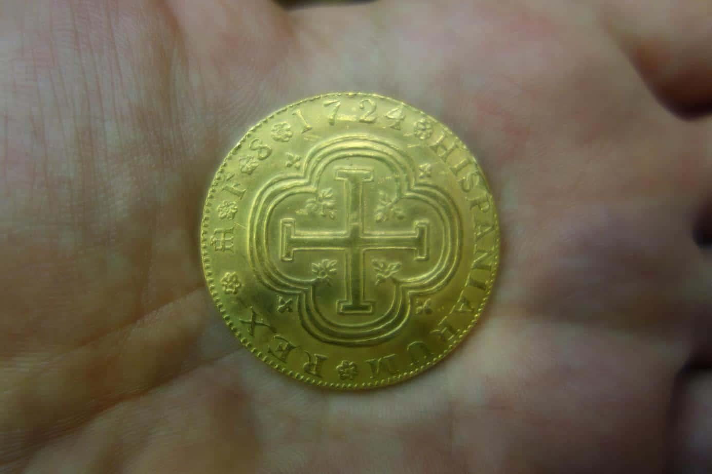 8 escudos 1724 falso