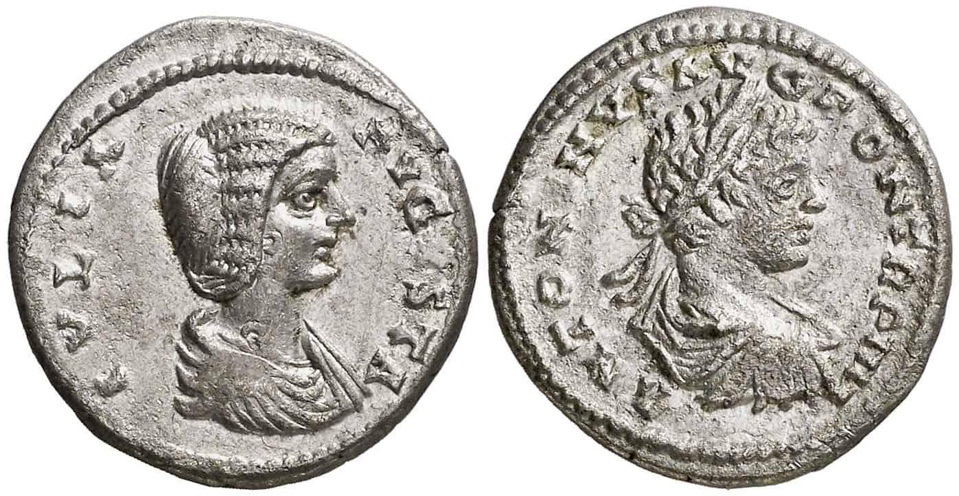 Julia Domna y Caracalla en el reverso