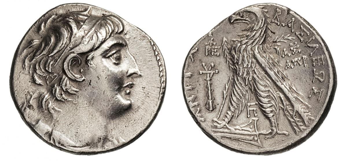 """Tetradracma """"siclo"""" de Antioquía, acuñados en Tiro a nombre de Evergetes"""