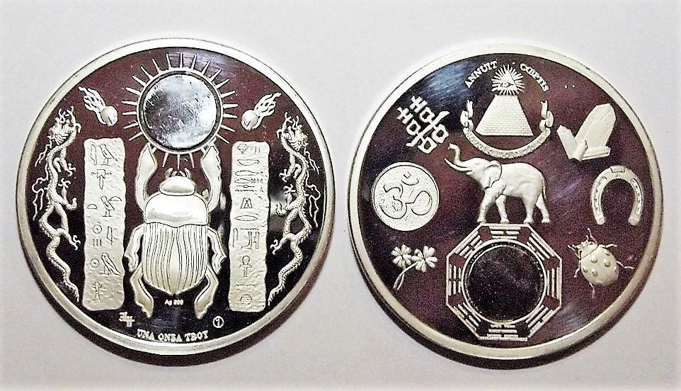 Amuleto de la suerte con meteorito.